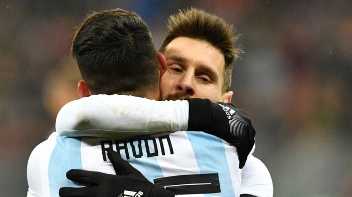 pavon-messi-seleccion-argentina-amistoso-9112017_1xcjyxg8krskd1qwy4q4h67nk9.jpg