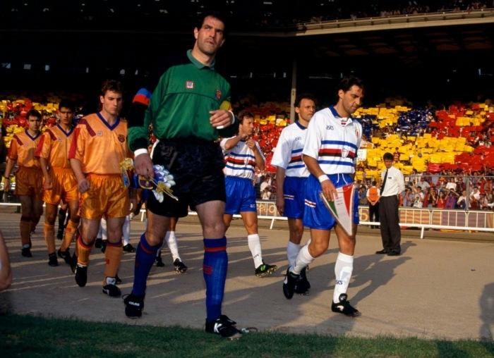 Saliendo al Campo en Wembley 92 (1)